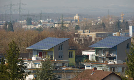 Damian in Germany : Sustainable housing : Solar Energy  : Solar Energy Of Energy-Producing Housing