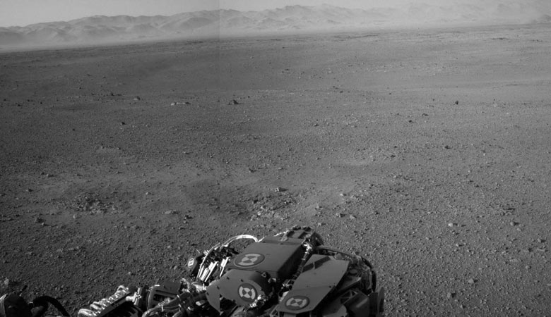 http://static.guim.co.uk/sys-images/Environment/Pix/columnists/2012/8/8/1344423684089/Mars-Curiosity-rover-firs-009.jpg