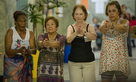 MDG : Ageing population : Brazil : Elderly women move during an African dancing lesson