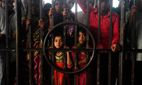 MDG : Bangladesh and emigration : Relatives of Bangladeshi migrant workers