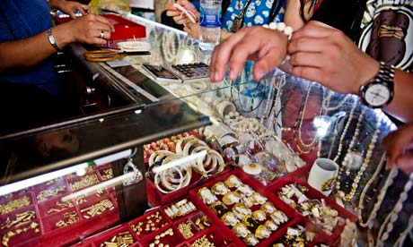 CITES in Bangkok : Elephant Ivory products for sale, Thailand