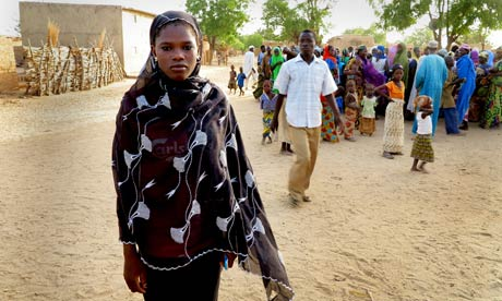 MDG : Child bride in Nigeria : Zainab Oussman  refused, and stayed in schoo