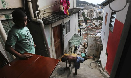 MDG : Kids from the Santa Marta favela in Rio de Janeiro, Brazil