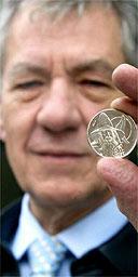 Ian McKellen with the Gandalf coin