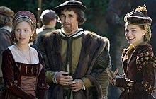 Scarlett Johansson as Mary, Mark Rylance as Sir Thomas and Natalie Portman as Anne in The Other Boleyn Girl
