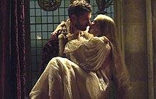 Eric Bana as Henry and Scarlett Johansson as Mary in The Other Boleyn Girl
