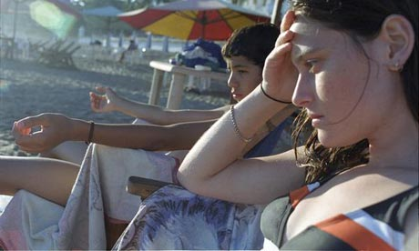 Molly (Eireann Harper) and Diego (Diego Catano) in the film Ano Una (Year of the Nail)