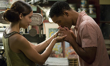 Rosario Dawson and Will Smith in Seven Pounds