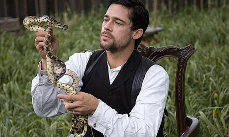 ADORACIÓN A LA SERPIENTE - Página 5 Brad-Pitt-in-The-Assassin-001