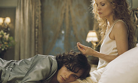 Rupert Friend and Michelle Pfeiffer in Chéri