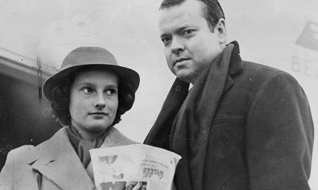 Orson Welles with his daughter Christopher, circa 1952