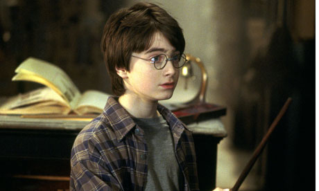 http://static.guim.co.uk/sys-images/Film/Pix/pictures/2010/11/17/1290012046663/Harry-Potter-and-the-Phil-006.jpg