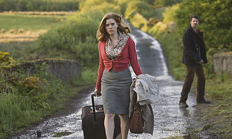 Amy Adams and Matthew Goode in Leap Year
