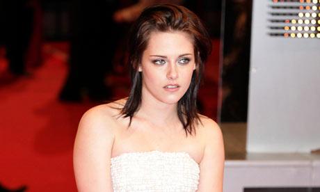 Baftas 2010: Kristen Stewart arrives at the awards