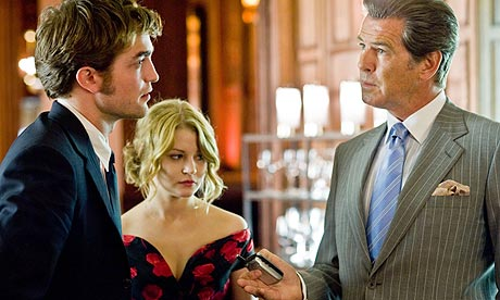 Robert Pattinson, Emilie de Ravin and Pierce Brosnan in Remember Me