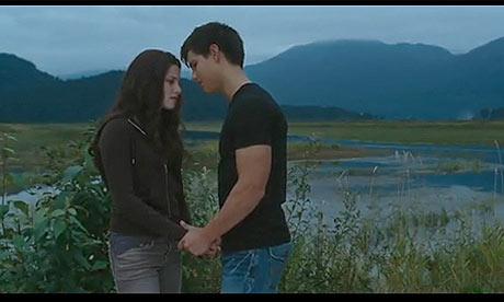 Kristen Stewart and Taylor Lautner in The Twilight Saga: Eclipse