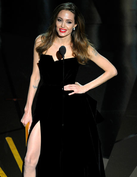 Oscars 2012: Angelina Jolie presents the screenplay awards