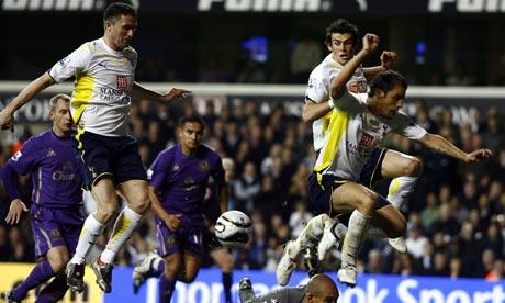 Robbie Keane scores Tottenham's second following a goalmouth scramble