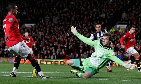 Manchester United lose killer instinct while Dimitar Berbatov waits
