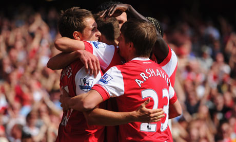 Arsenal celebrate Ramsey's goal