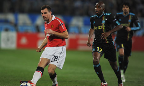 Darron Gibson, left, is expected to sign for Everton on Friday for £500,000