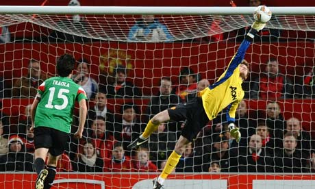 David de Gea pulls off a save for Manchester United against Athletic Bilbao