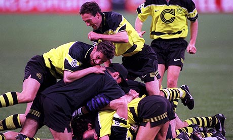 Paul Lambert and Borussia Dortmund players in 1997