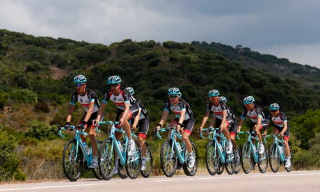 Pitfalls and the picturesque punctuate a Tour de France less ordinary