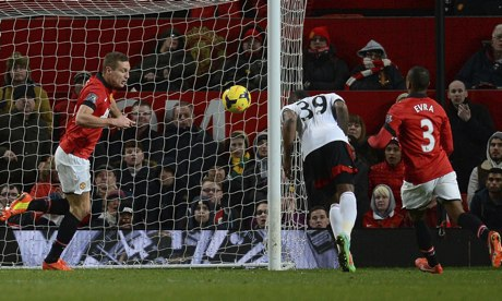 Darren Bent scores the equaliser for Fulham against Manchester United at Old Trafford
