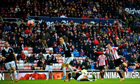 Sunderland's Craig Gardner scores the opening goal against Southampton in the FA Cup fifth round