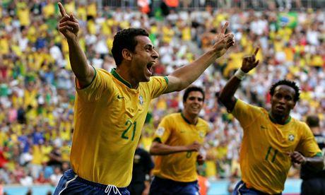 The Brazil striker Fred, left, is now a devout Christian
