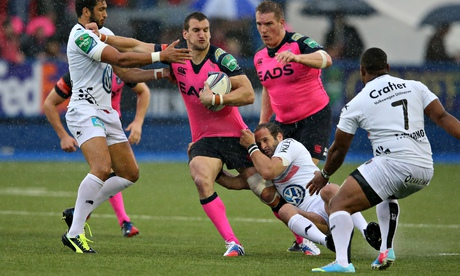 Sam Warburton, with the ball, in Cardiff Blues' colours, in the Heineken Cup last season