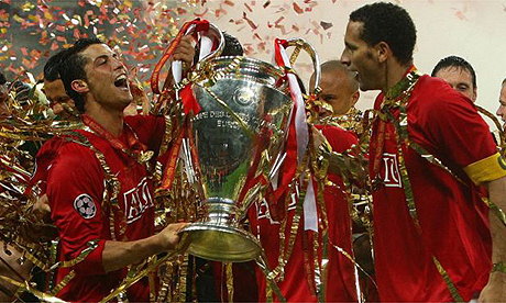 Ronaldo and Rio Ferdinand lift cup