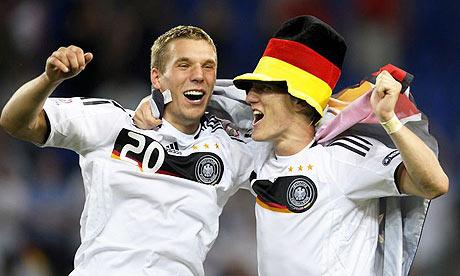 PodolskiSchweinsteiger1.jpg