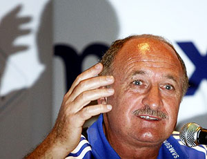 Scolari calls for Chelsea to be loved