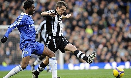 Chelsea midfielder John Mikel Obi and Newcastle forward Michael Owen