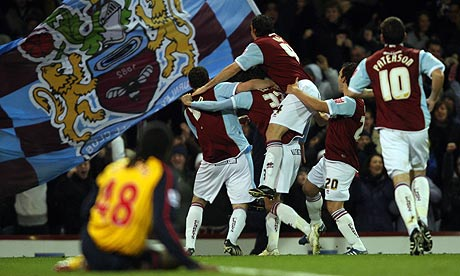 Burnley's Kevin McDonald celebrates