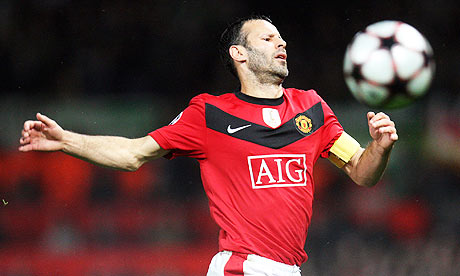 Ryan Giggs playing for Manchester United against Wolfsburg