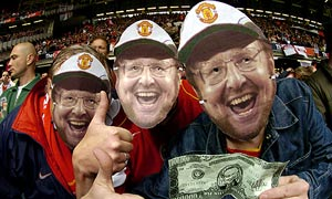 Arsenal fans poke fun at the Glazers