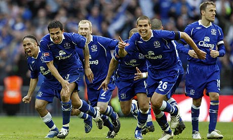 http://static.guim.co.uk/sys-images/Football/Pix/pictures/2009/4/19/1240163463381/Everton-v-Man-Utd-001.jpg