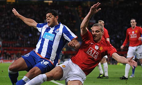 Nemanja Vidic takes on the Hulk