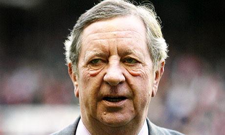 Arsenal-chairman-Peter-Hi-004 jpgArsene Wenger Player