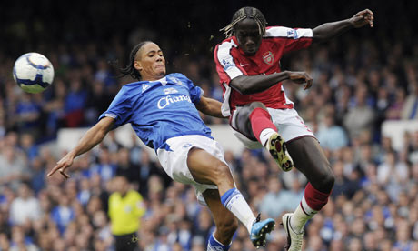 Everton's Steven Pienaar challenges Arsenal's Bacary Sagna at Goodison Park