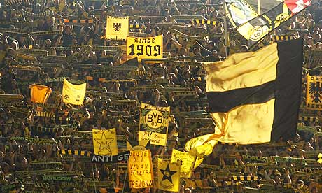 Borussia-Dortmund-support-006.jpg