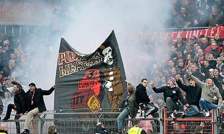 Bayer-Leverkusen-fans-006.jpg