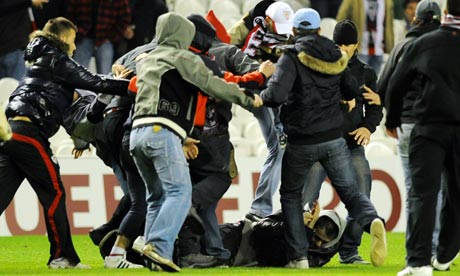Athletic Bilbao Anderlecht face sanctions after fans fight on the pitch at full time (video)