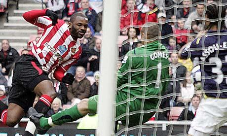 Sunderland striker Darren Bent scores. Bet he enjoyed that