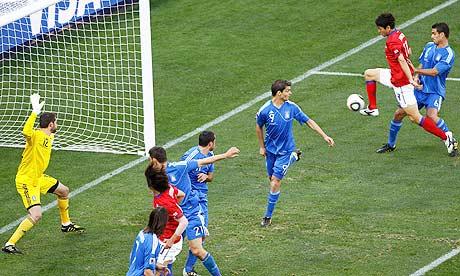 South Korea's Lee Jung-soo scores
