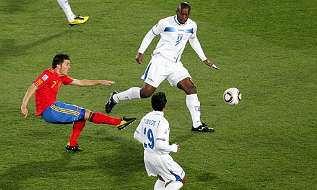 http://static.guim.co.uk/sys-images/Football/Pix/pictures/2010/6/21/1277146284855/Spain-vs-Honduras-006.jpg