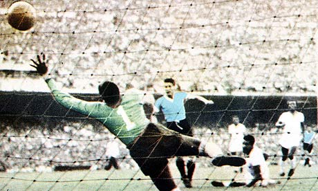 Juan Schiaffino scores in the 1950 World Cup final